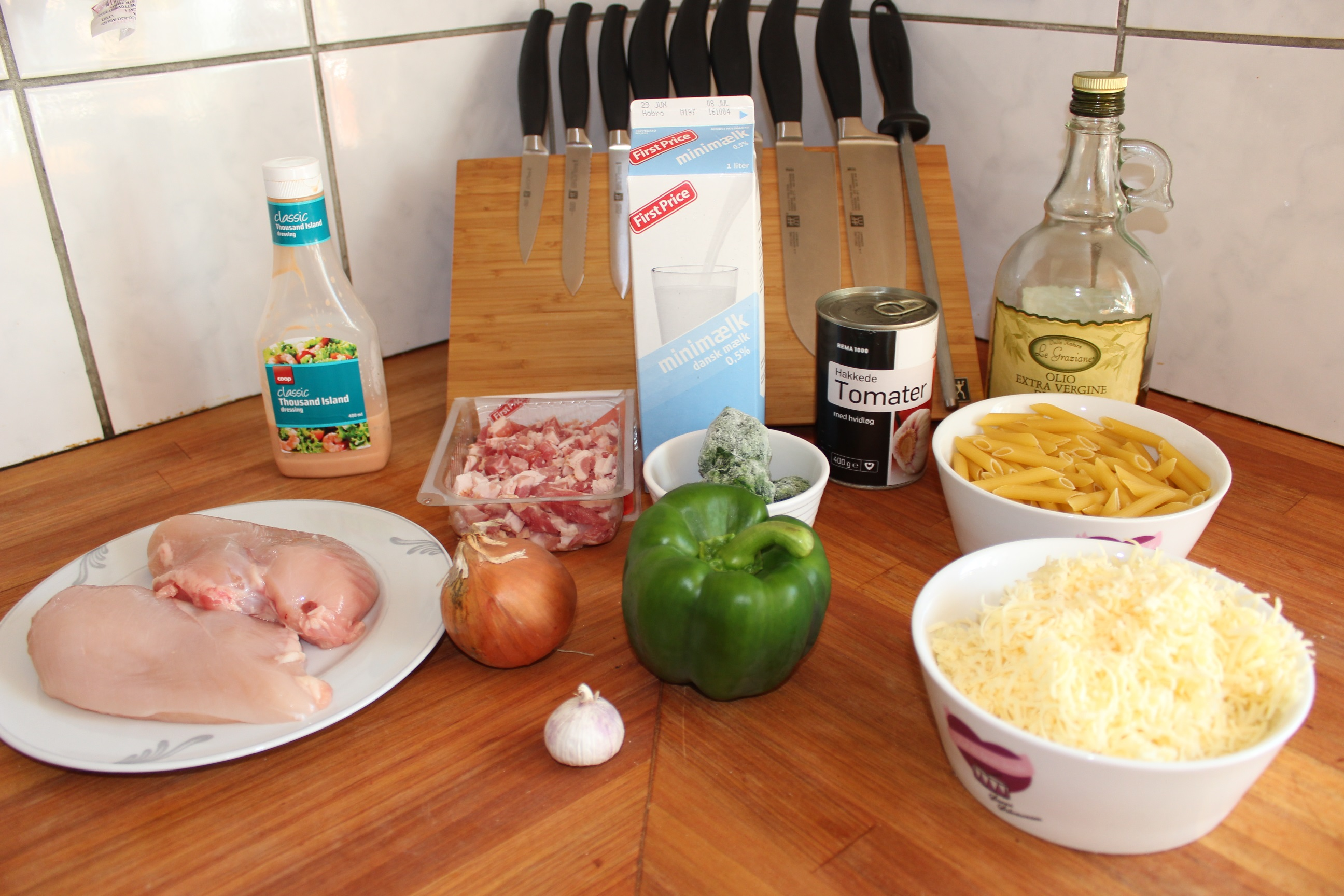 retter med kylling og bacon